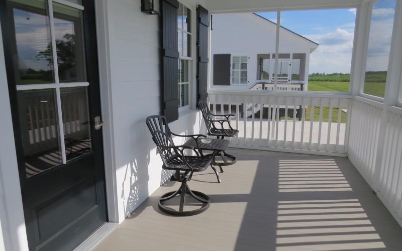 Cottage 7,8,9 Front Porch