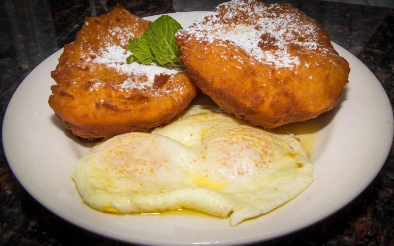 Beignet & Eggs