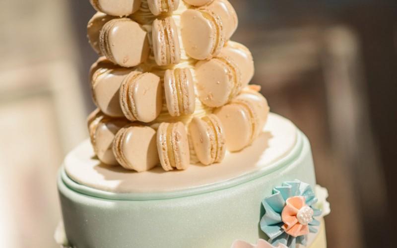 Farmhouse Cafe Strawberry Wedding Cake. Free With Farmhouse Cafe ...