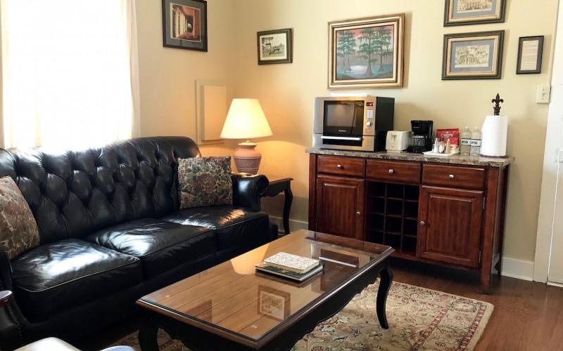 Cottage 5B Living Area