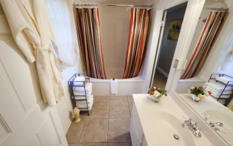 Cottage 6 Bath
