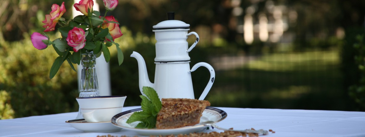 Dining at Oak Alley Plantation, Restaurant & Inn